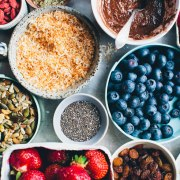 Want beautiful skin? One of the ways to achieve the flawless skin look is by eating foods like these. Here are the best foods to eat for healthy skin!