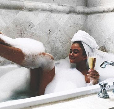 We all deserve a nice extravagant pampering and R&R every once in a while. Here are the perfect ways to pamper yourself in Toronto!