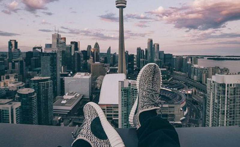 University of Toronto is fun but sometimes it can get a bit boring. Here are fun things to do around University of Toronto when bored AF. Go UofT