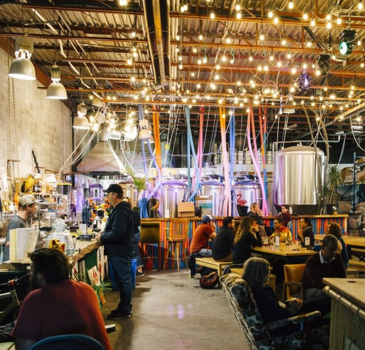 Do you like drinking beer, enjoy breweries and live in the Calgary Alberta area? If so, here are some of the best breweries around Calgary that have great atmospheres and are definitely worth checking out!