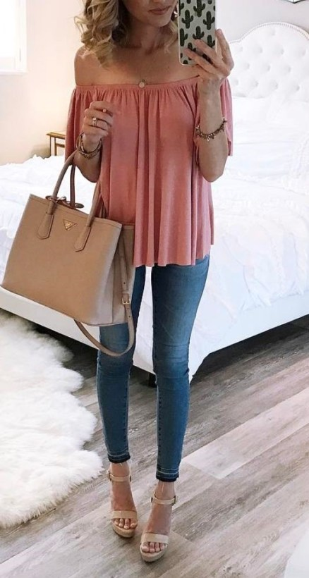 This off the shoulder top outfit is cute!