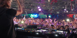 Some of the best clubs in Barcelona are unbelievable! Barcelona nightlife is memorable and forgettable at the same time. Here are the best places to go out at in Barcelona. The best Barcelona night spots are going to have you in awe. These are the best Barcelona clubs there are!