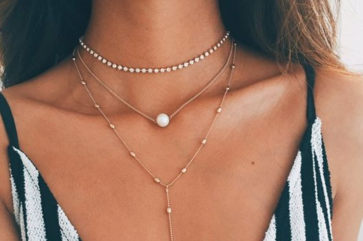 These are the best jewelry brands you need to know about for quality accessories that will last you a long time! If you're into large statement necklaces, or prefer more dainty styles, these jewellery retailers carry both!