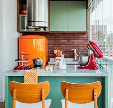 If you want to decorate your apartment or flat but you're on a budget and looking for cute decor, here are some home decor sites like Urban outfitters that are cheap and have so much cute apartment decor to choose from!