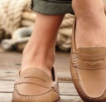 You need these cute loafer flats for the spring. Loafer flats are comfortable and provide a stylish chic look to them. Dust up your spring wardrobe and try these comfortable versatile shoes!