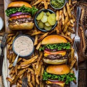 These are the best burger restaurants in London that you have to try out! Whether you like veggie burgers, cheeseburgers, or just a regular American burger - these are the places for you!