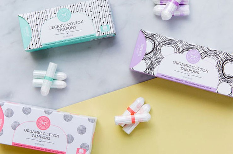 The difference between organic tampons and everyday tampons is the cotton that's used to make them. Organic tampons are made with cotton grown without pesticides or insecticides, free from chemical dyes or fragrances, but are they a healthier alternative?