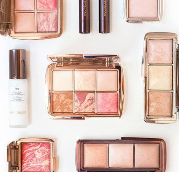 Are you in need of drugstore blush that is clearly affordable and that also works? We have rounded up the best options for you! Check out our list of must-haves!