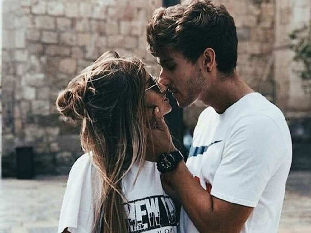 This is the singles girl's guide to getting back in the game.Thisis how to date after a long term relationship: