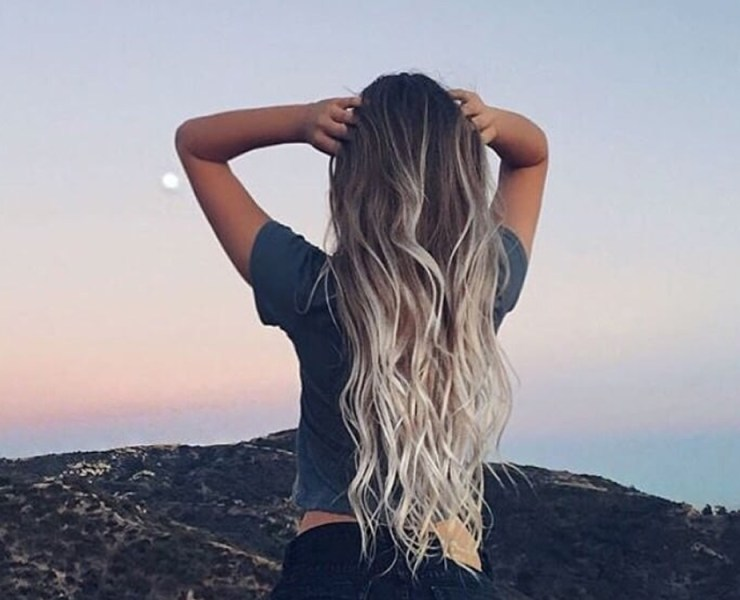 Take a look at these best hair masks for dry damaged hair. If you want a smooth and healthy mane, these are your best bet to achieve voluminous hair.