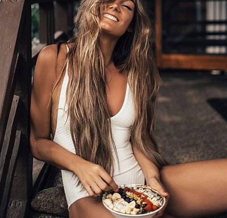 Getting beach hair without going to the beach is easier than you think. Using sea salt sprays in your hair is a great way to get beachy waves. If you want mermaid hair, these are the 10 best sea salt sprays to give your hair those natural looking waves without the crunch!