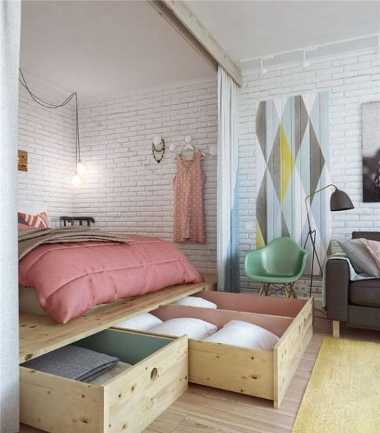 Check out this small studio flat!