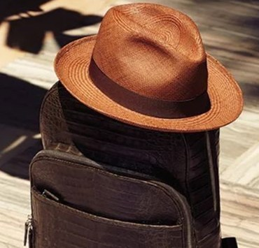 Looking for some men's straw sunhats to wear this summer? These are the best hats for all your activities ranging from boating, the beach, outdoor walks, and more! They'll protect you from the sun AND keep you fashionable.
