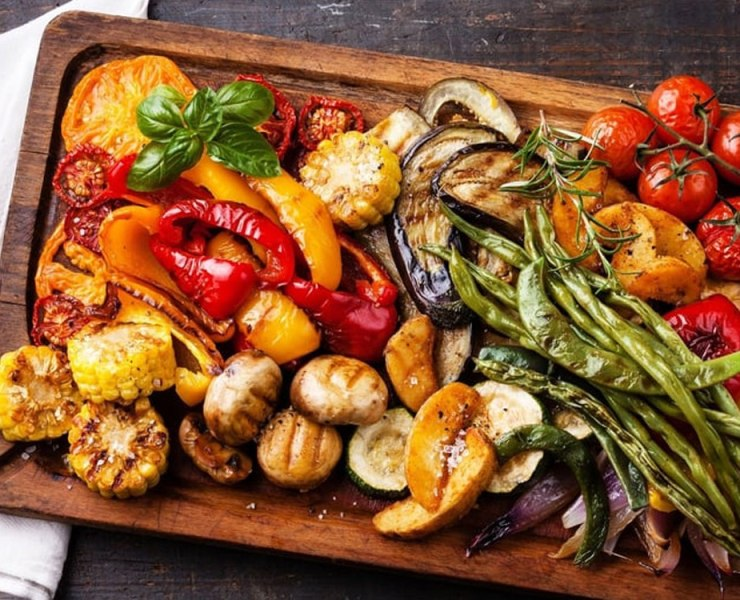 Trying to find easy vegetarian dishes to substitute your meat recipes? Check out our list of vegetarian meals to get your days worth of veggies!