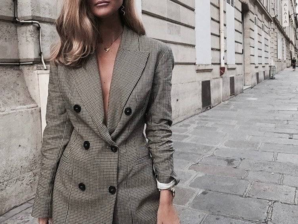 These business attire interview tips are chic yet casual for your first impression at the office. Take a look at these interview outfits that you will love!