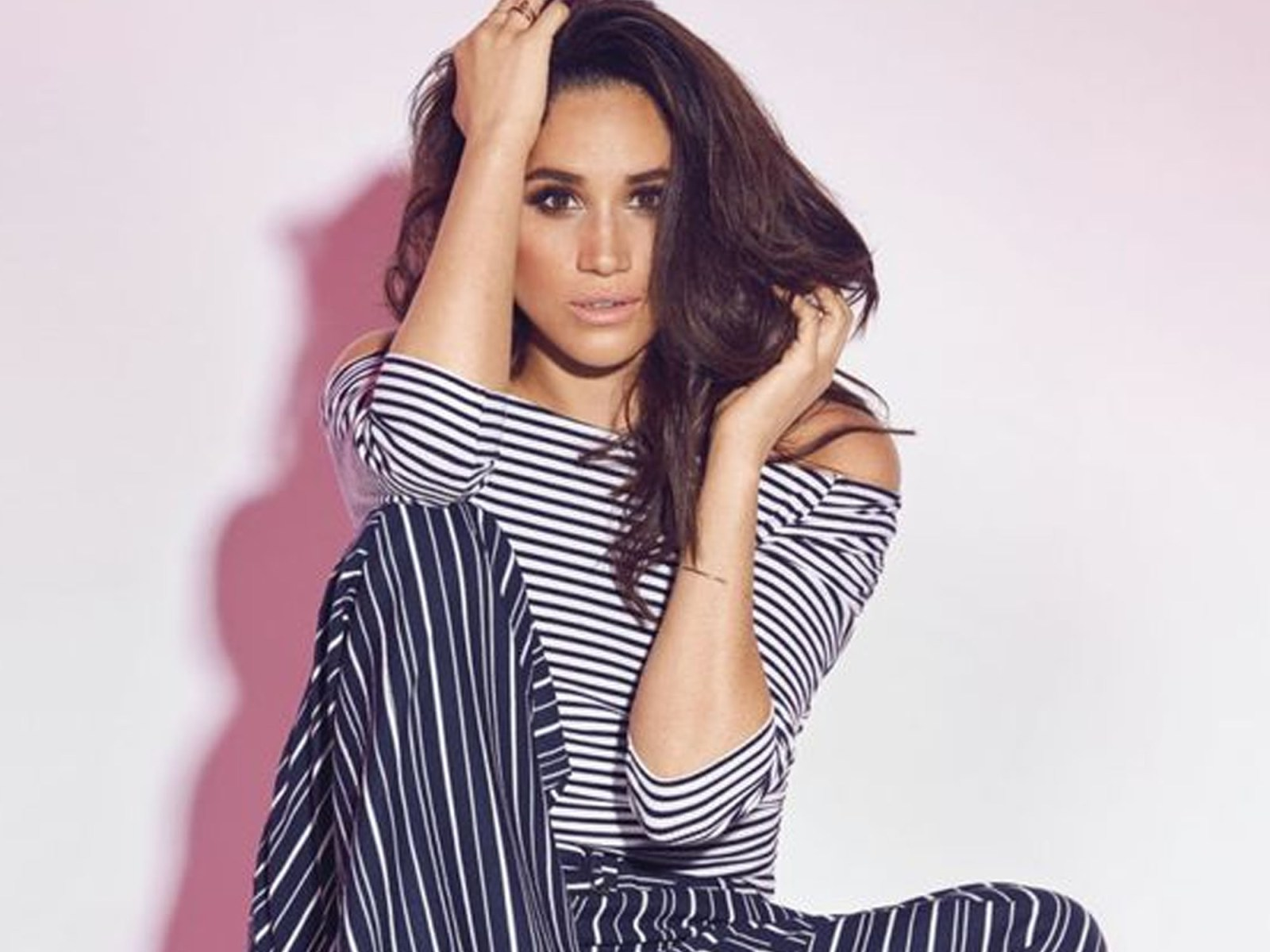 Meghan Markle fashion looks are always stunning. Here are some of our favourite fashion looks of hers that are so elegant and timeless!