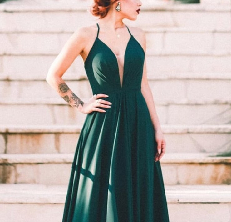 Wedding outfits for teenage guests don't have to be hard to find. Take a look at these dresses and suits fit for any dressy occasion.