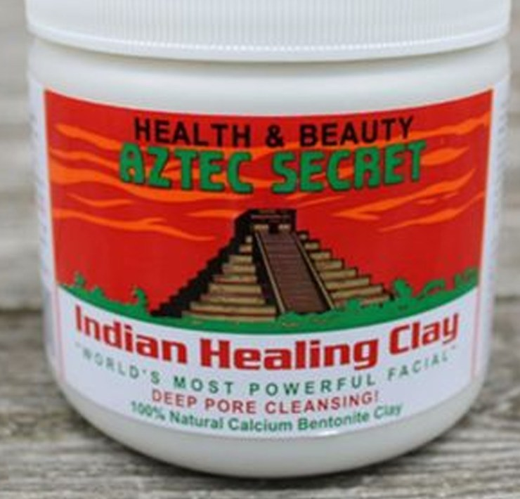 The latest Aztec Secret Face Mask trend has been all over the internet recently. So, I decided to try it for myself. Here are the results!