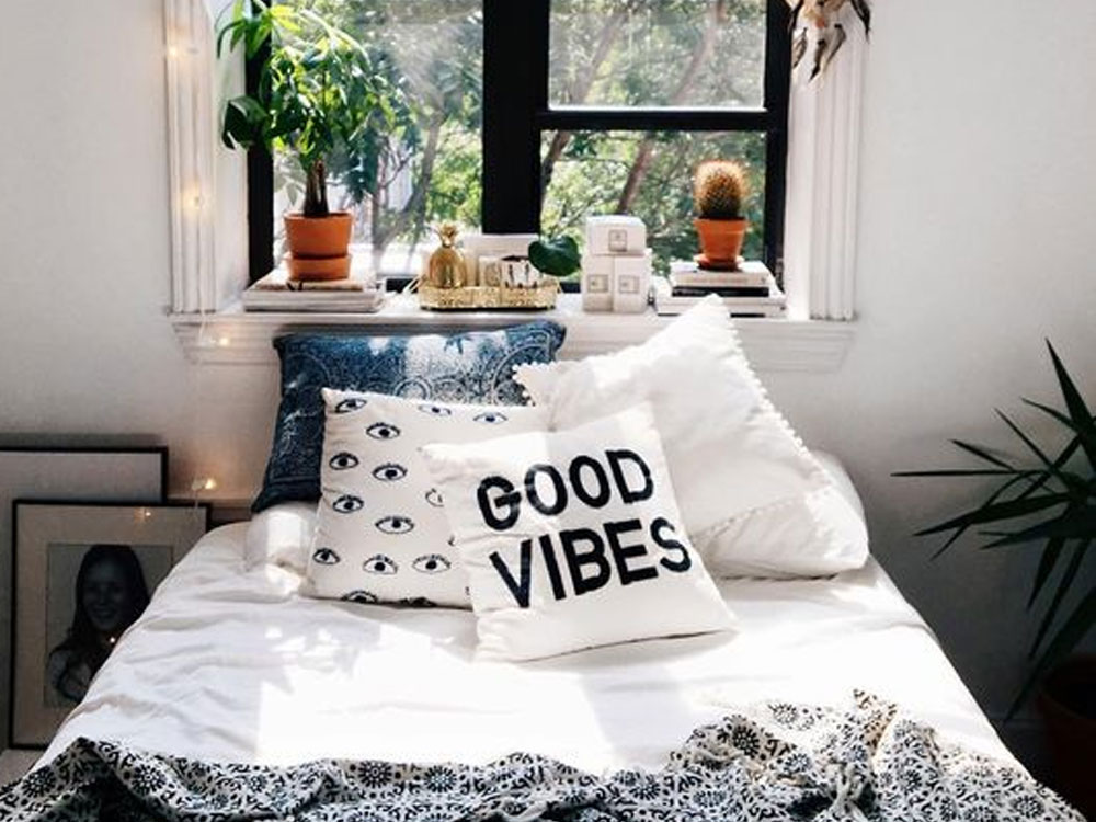 If you are looking for some decorations to liven up your flat with, check out these cute sculptures that will totally make your flat feel like home!