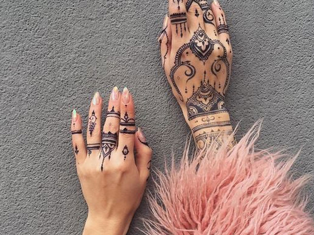 These are some of the most popular London based henna artists that you will love! Here are their Instagram accounts for you to follow!