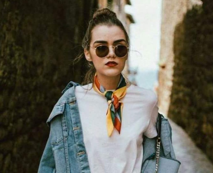 Check out these scarf fashion tips on how to wear them in the most stylish of ways. No matter which season, scarves can dress up any outfit.