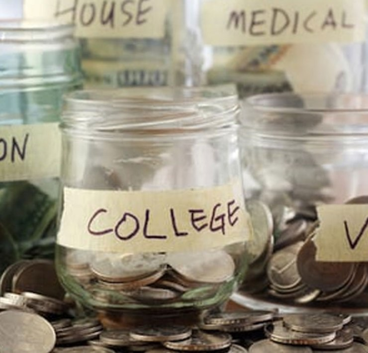 Here is how having a student budget can be beneficial to your college life. This way you will be able to have more fun while saving money!