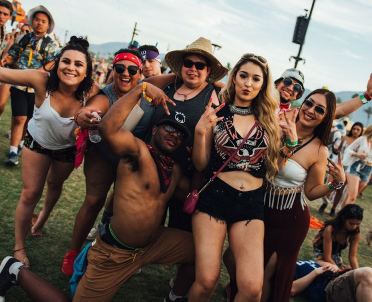 These festival outfits are must-haves for festival season! You'll be guaranteed to see all of these fashion styles at any festival you go to!