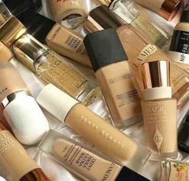 These foundations for sensitive skin will help rejuvenate your skin and make it look much healthier. These foundations are a miracle worker.
