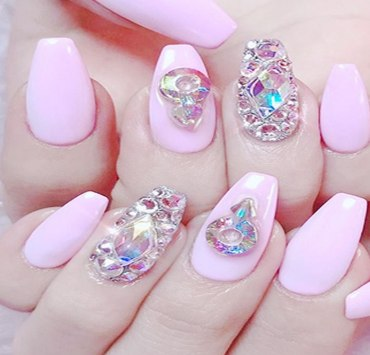 Here are some tips on how to take care of your nails and keep them lokking fresh and healthy. These tips will help your nails grow long and strong.