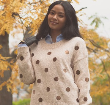 These trendy jumpers will keep you warm and cozy, while still looking great, when the autumn weather begins getting chillier.