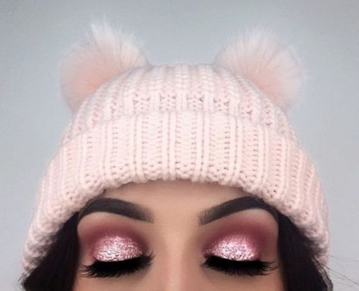 Try out these pink eyeshadow looks this spring if you want to change your look for the new season! Girly, fresh or bold, you can have it all!