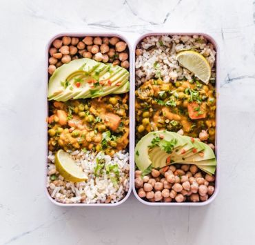 These homemade meals cook in under 30 minutes so you can prep and enjoy at uni! Grab the ingredients, cook and nourish your body and mind!