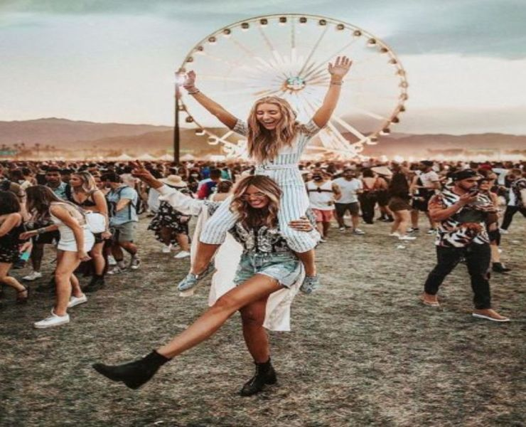 Got that summer festival coming up and are not sure about outfit ideas? Here are our top ten favourite outfits you need to know for your next summer festival!