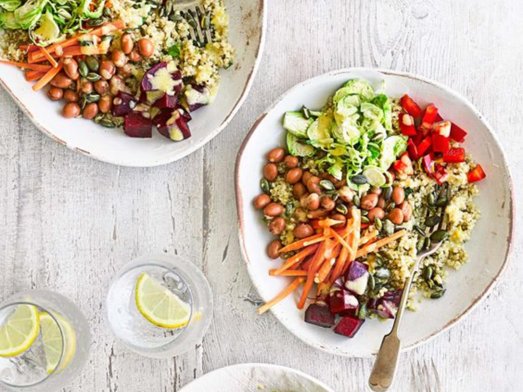 Check out these healthy and delicious salad bowl recipes that look and taste great and are a quick and easy way to kickstart your healthy eating for this year!