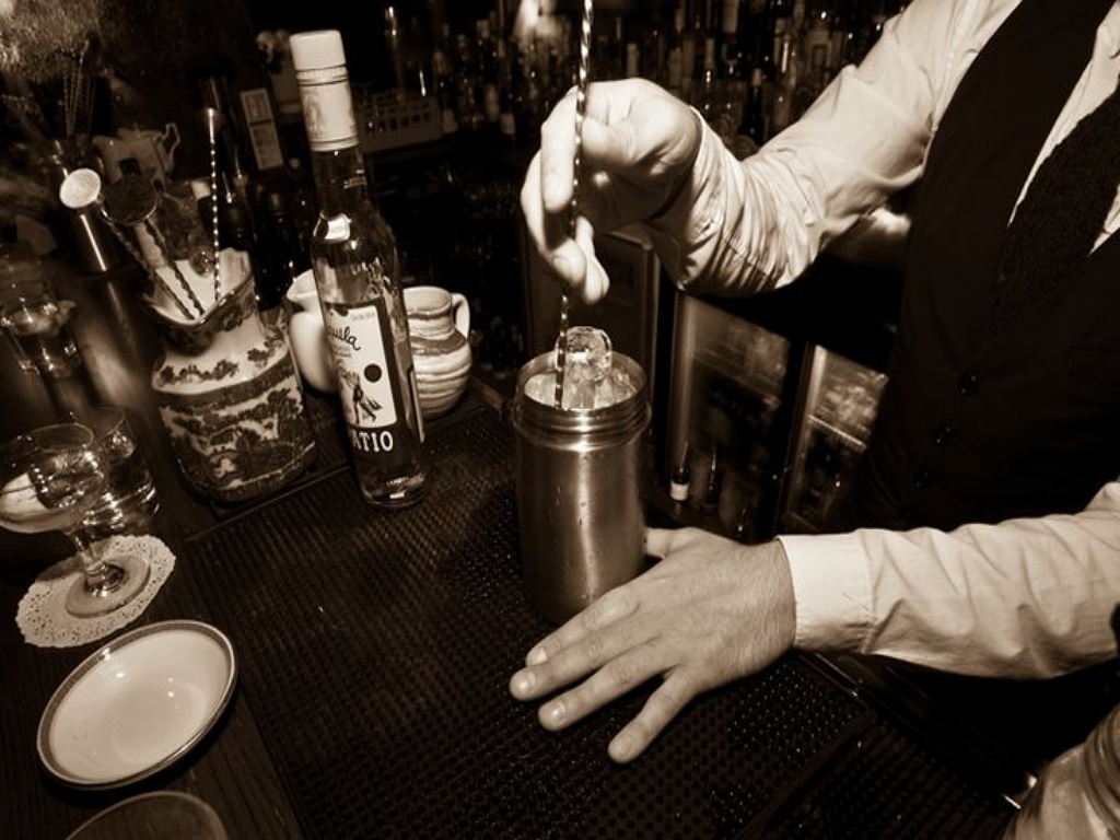 A Look At The Best Speakeasy Bars In Bristol