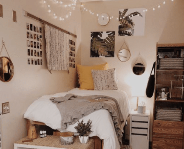 Decorating your uni dorm can be hard sometimes, but don't worry, we've got you covered! Here are our top 8 fancy-looking decor pieces you need.
