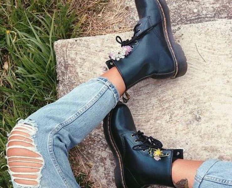 Everyone wants to save some money of their summer wardrobe, so why not restyle your docs! Here are The Best Ways To Wear Dr Martens This Summer.