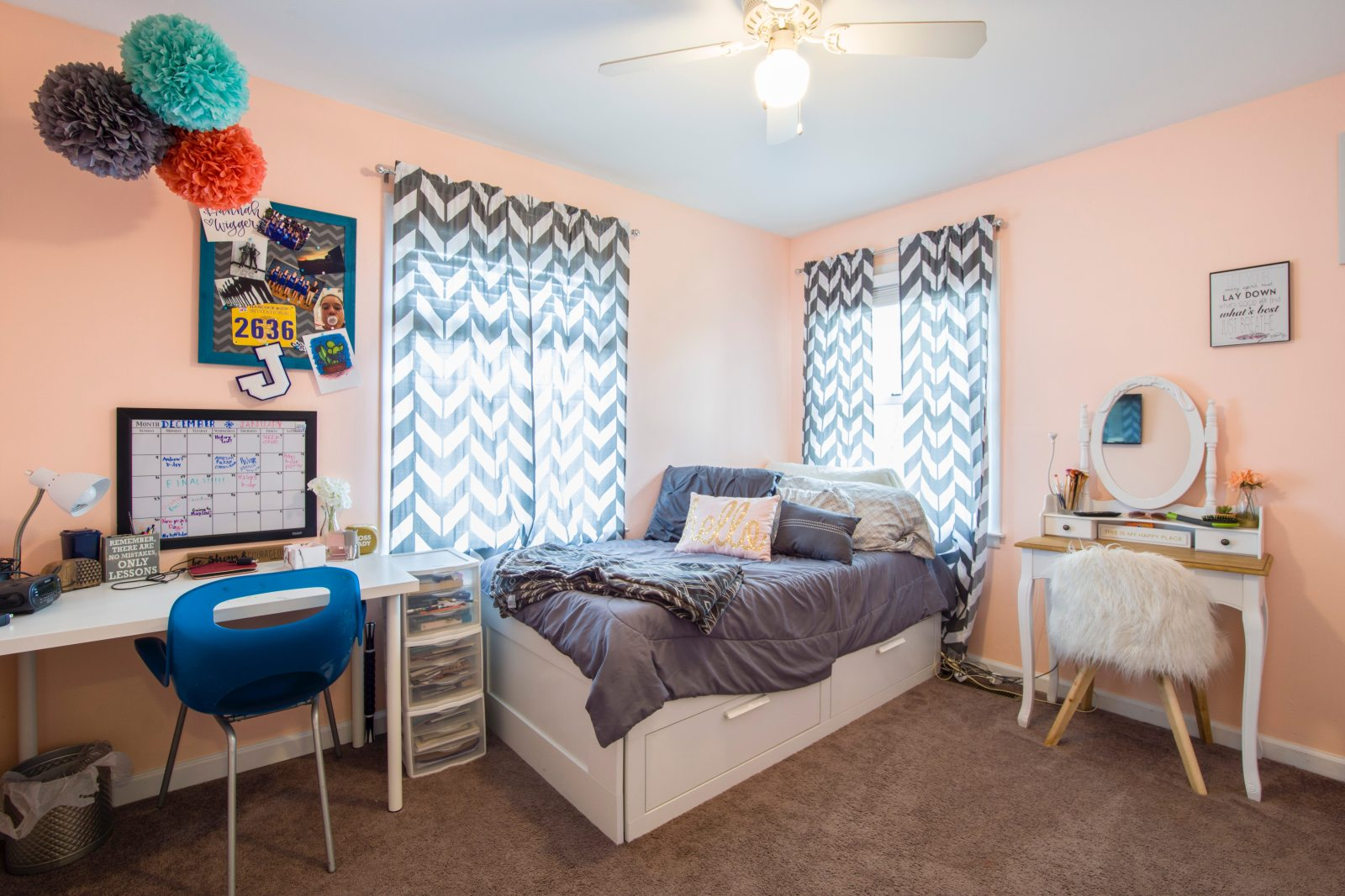 Dorm rooms can be really dull when you first move in, so here are 6 ways to brighten your dorm room without breaking the bank.
