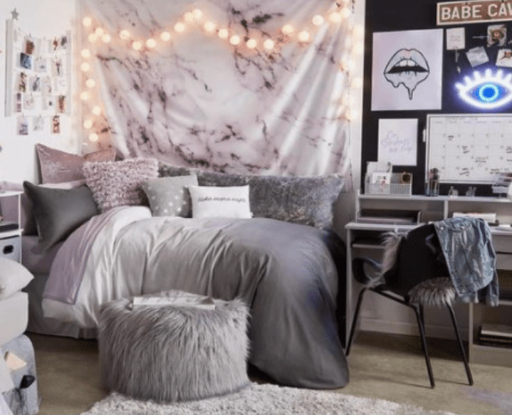Finding dorm room wall art that isn't the same old posters can sometimes be hard, so here are 10 unique wall art ideas perfect for any dorm room!
