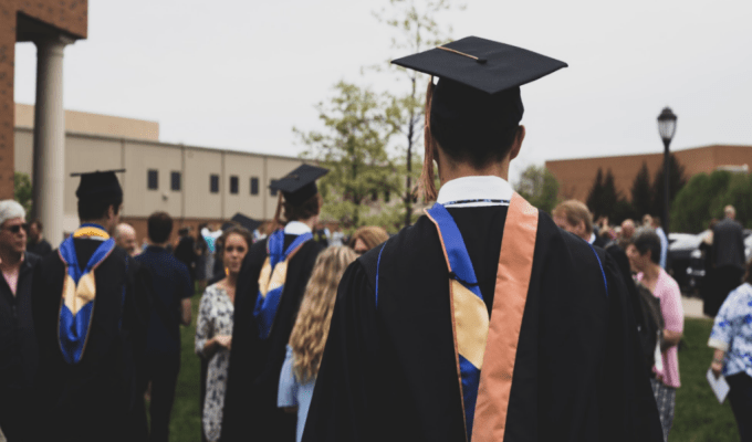 It can be so difficult to decide what graduation gifts to purchase for your loved ones and how much to budget for them!To help you decide, here's our guide!