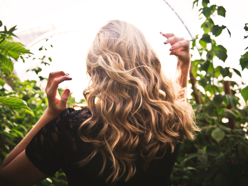 If you're suffering from sun-damaged hair, these useful tips will help you restore and revive it.