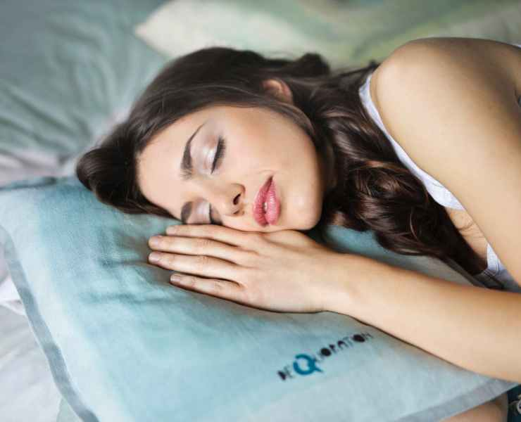 If you're having trouble falling asleep, check out these helpful sleeping apps for a better night's sleep. They won't disappoint you - we promise!