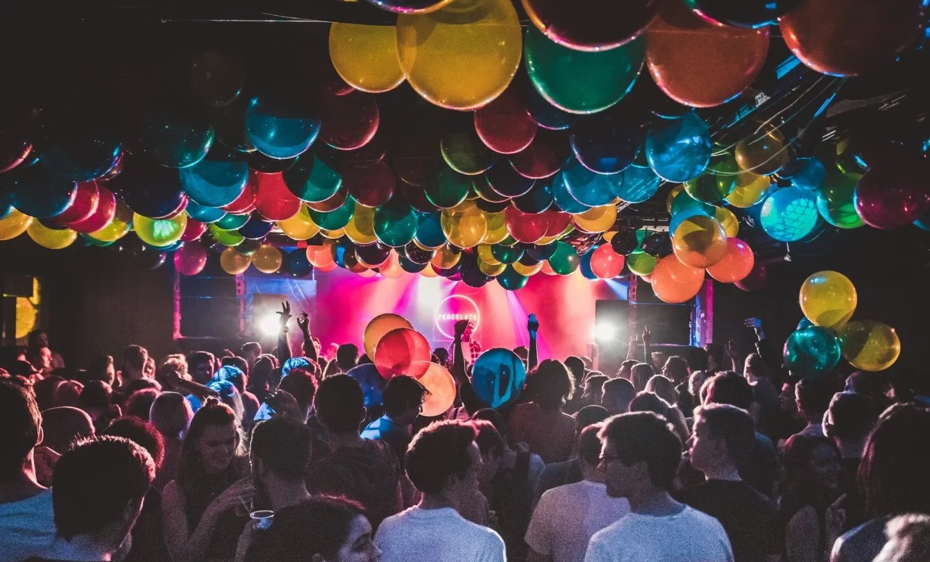 The Ultimate Guide To College Parties - Society19 UK