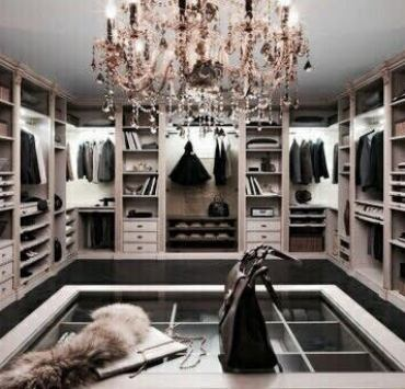 Having a nice organised closet can make a huge difference in our life, so here are 10 clever closet organisation ideas that will change your life