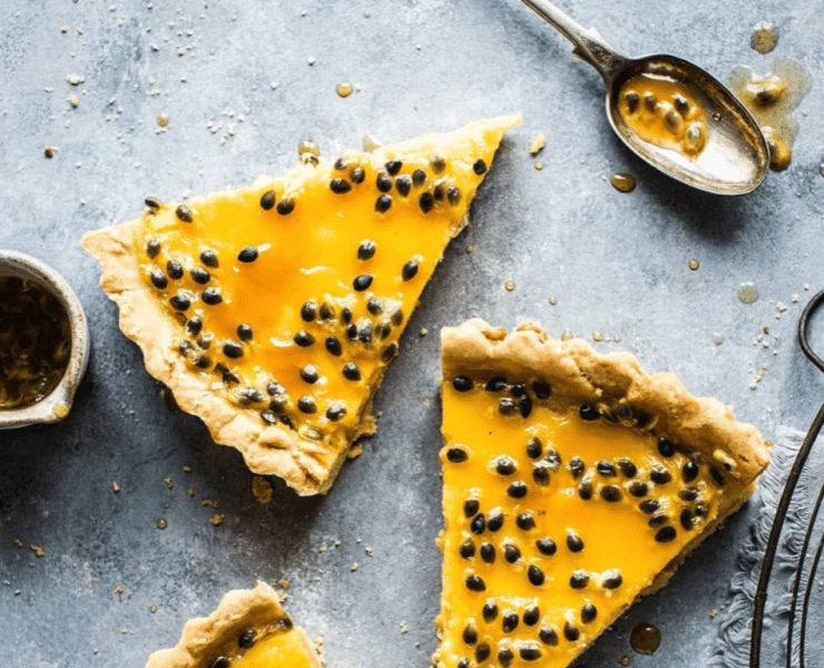 The very particular taste of the passion fruit make it the perfecit ingredient to be used in the preparation of many sweet and savory dessert recipes