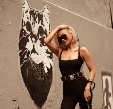 Girl boss qualities are on the rise in women. They're badass, confident, independent women. Here are 5 signs to show if you are a girl boss too!