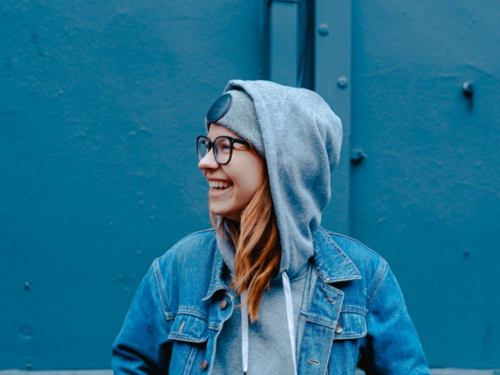 Hoodies are the ultimate college student necessity! There are one too many occasions where you need them. Here are our hottest tips to styling hoodies!