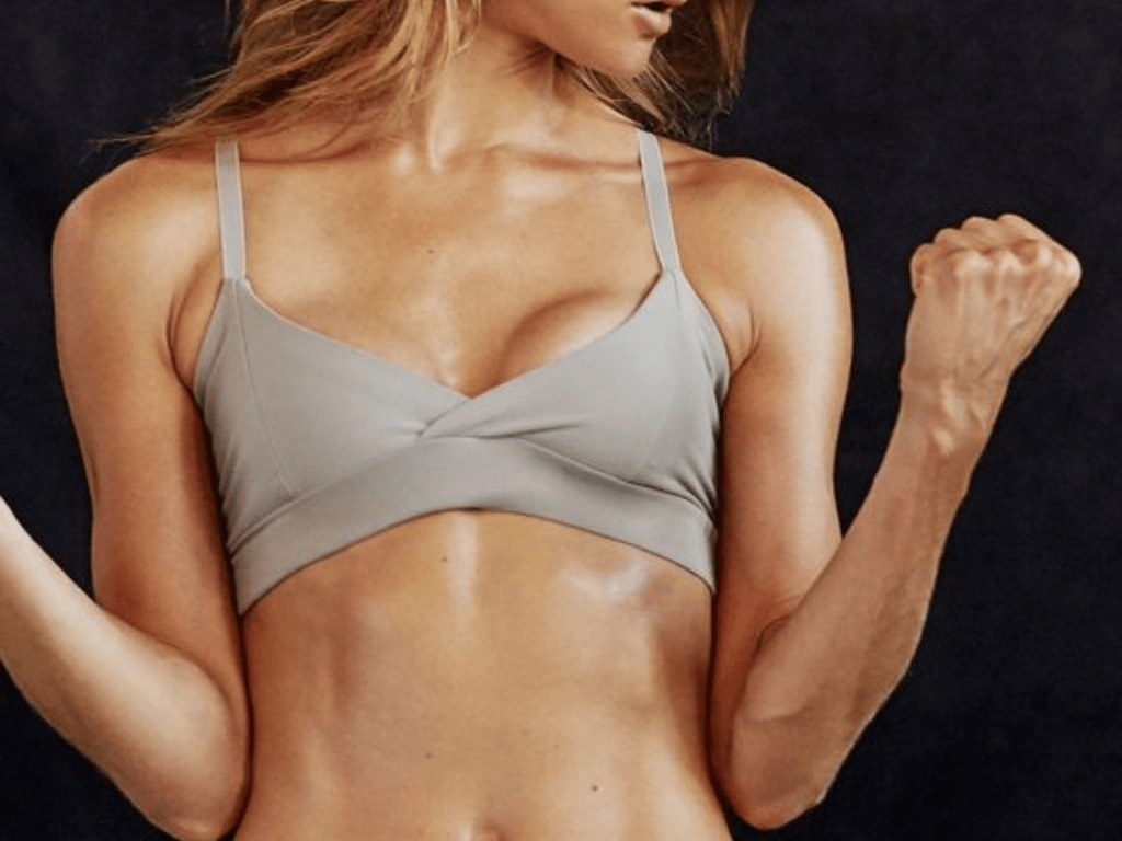 This is all you need to know about getting strong, sculpted arms with this quick but effective 10-minute arm toning workout.