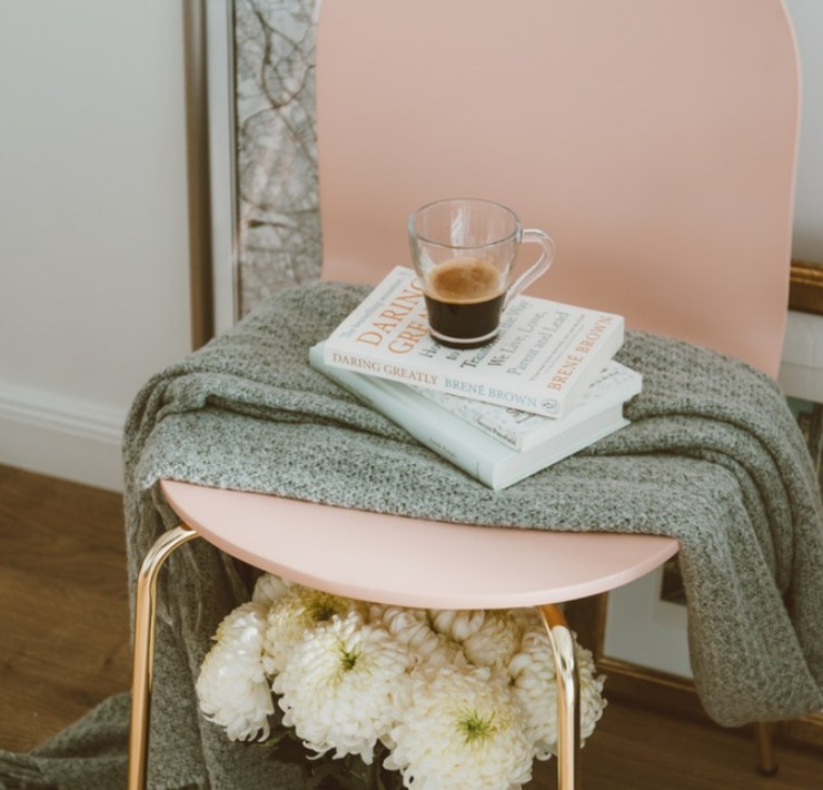 These uni room essentials will help you create a home away from home whilst at university! With these, you'll have a relaxing living space in no time!