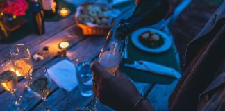 Summer means longer nights and that definitely means more parties and opportunities to drink! Keep things fun with these 7 alcoholic summer drinks!
